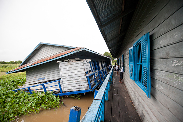 floating-village-cambodia9